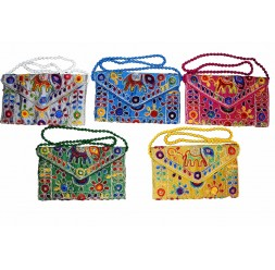 **Bolsa elefante com bordados e espelhos (várias cores) preço unitário
